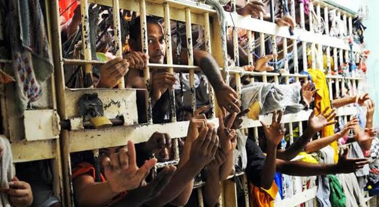 Saúde exclui população carcerária de plano inicial de vacinação contra a Covid-19