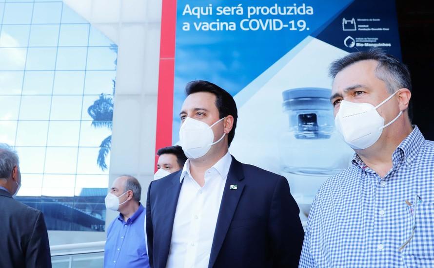 Vacinação no Paraná começará em janeiro, alinhada ao plano nacional.
